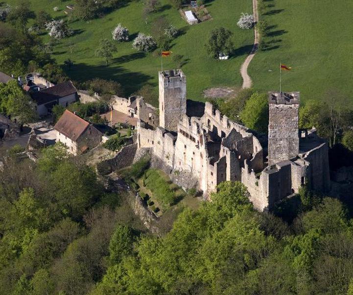 Luftansicht der Burg Rötteln; Foto: Staatliche Schlösser und Gärten Baden-Württemberg, Achim Mende