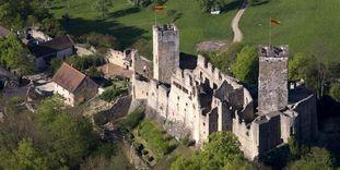 Luftansicht von Burg Rötteln, Foto: Staatliche Schlösser und Gärten Baden-Württemberg, Arnim Weischer